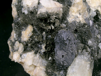 luinaite-(OH), quartz<br>ferberite for sale